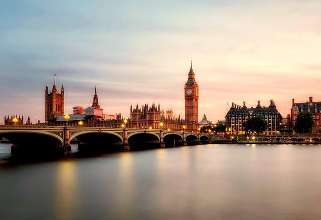 מתכננים להשקיע באנגליה? קבלו אזורים מומלצים להשקעה